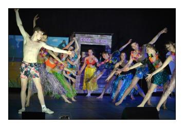 40_Salut_Final_Mambo-troupe